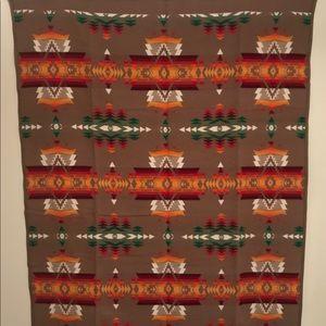 NWT Pendleton Beaver State Robe/Blanket